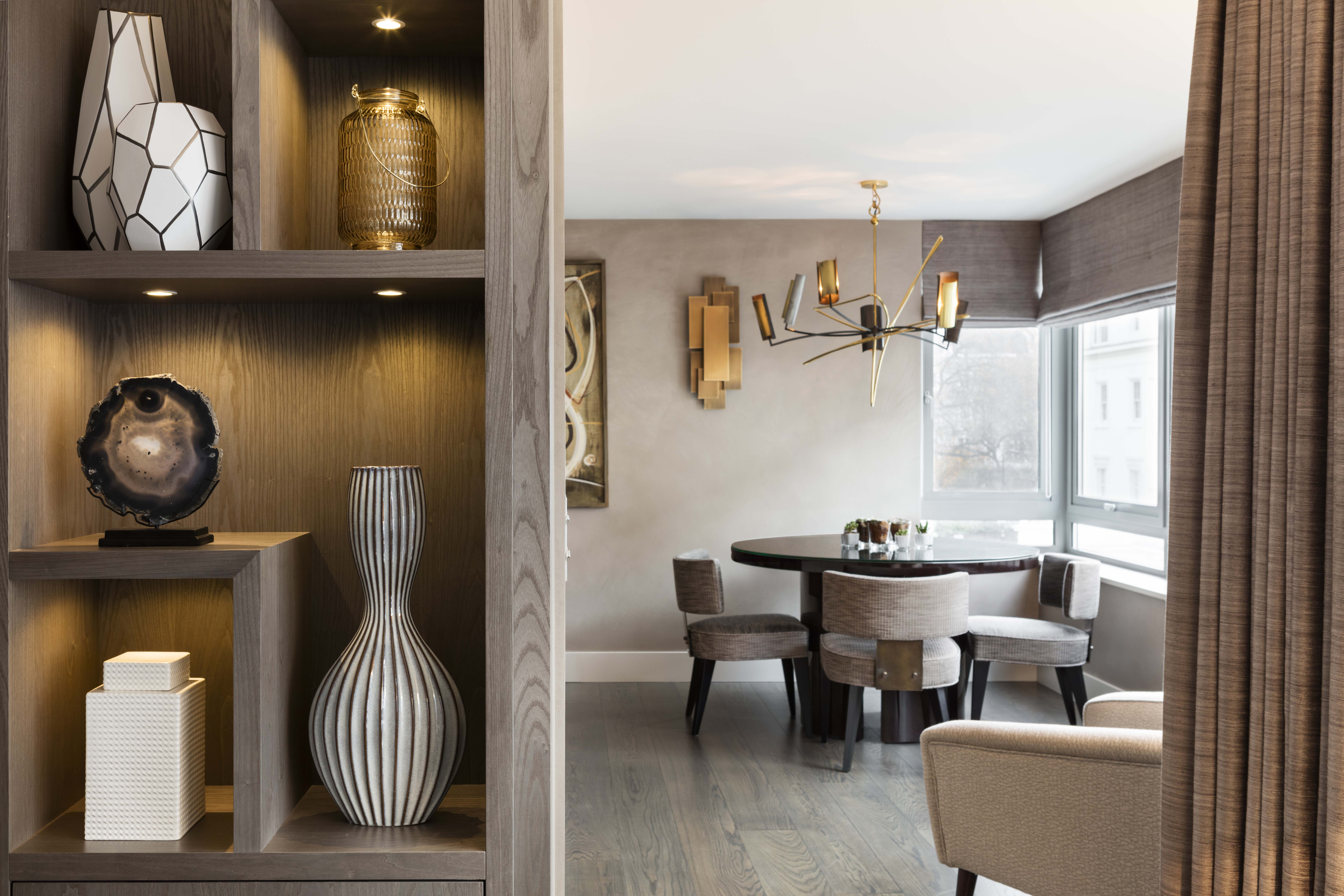 Light_On_White_Belgravia_Residence_Dining_Room_2