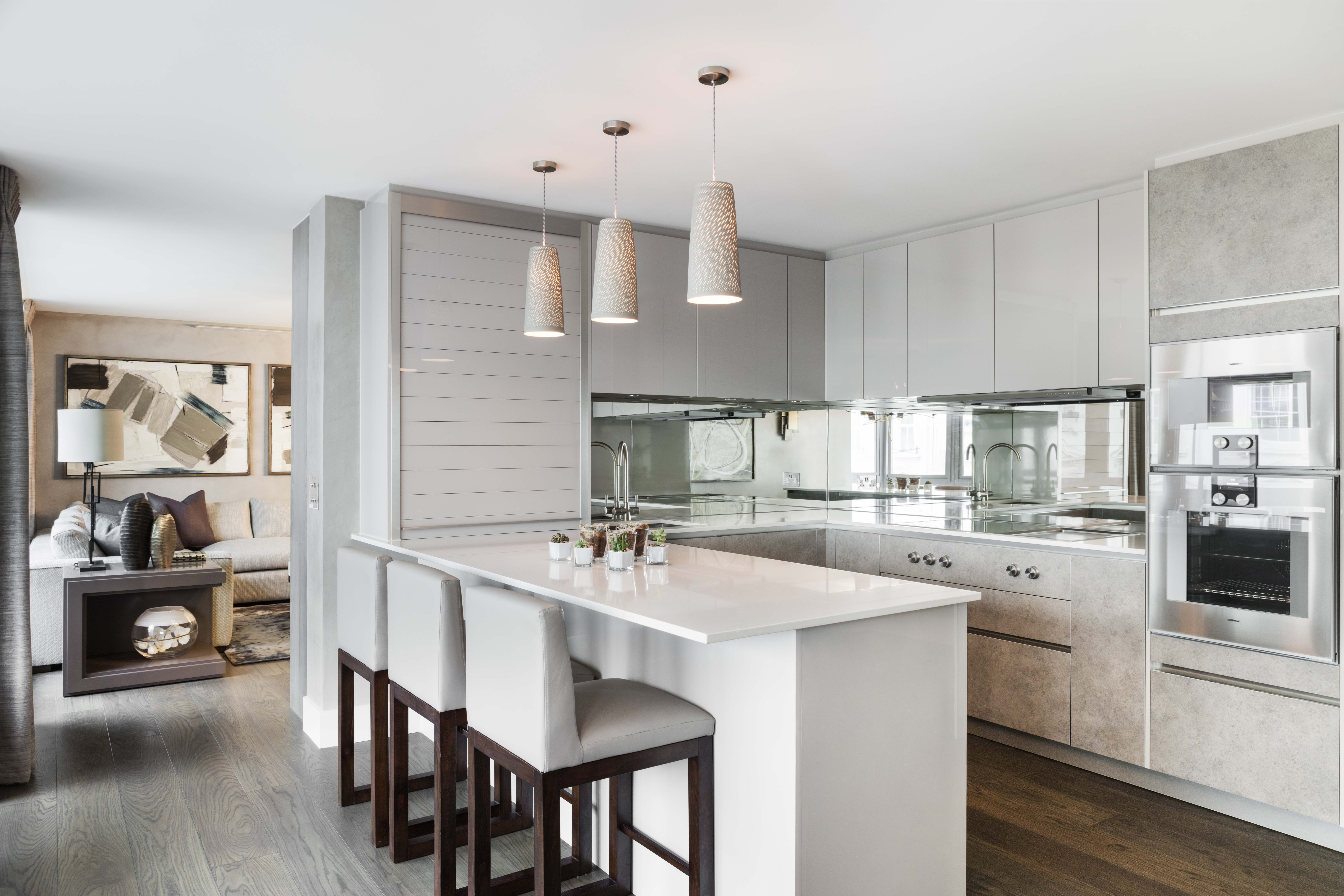 Light_On_White_Belgravia_Residence_Kitchen_1